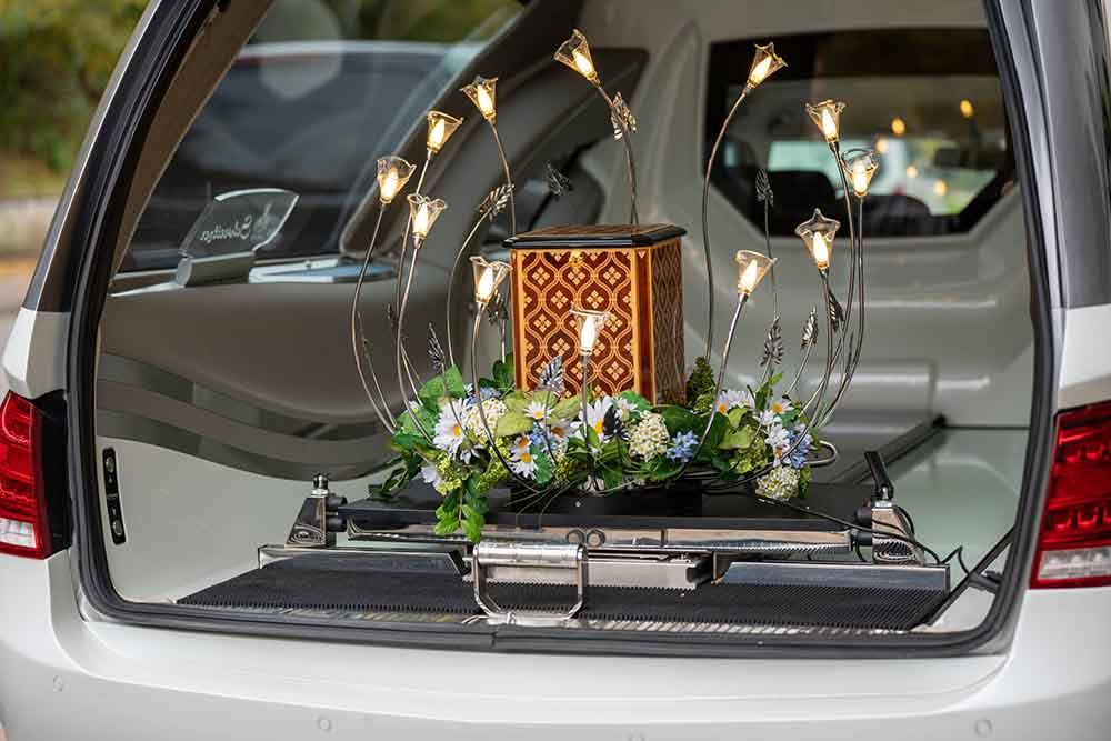 Urnenbestattung | Schweitzer Bestattungen